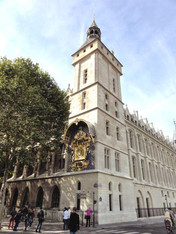 Lietuviškiausias simbolis Paryžiuje - Teisingumo rūmų laikrodžio VYTIS