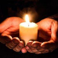 Kunigas Vincentas Lizdenis kviečia Prancūzijos lietuvius siųsti jam prašymus maldos už mirusiuosius.