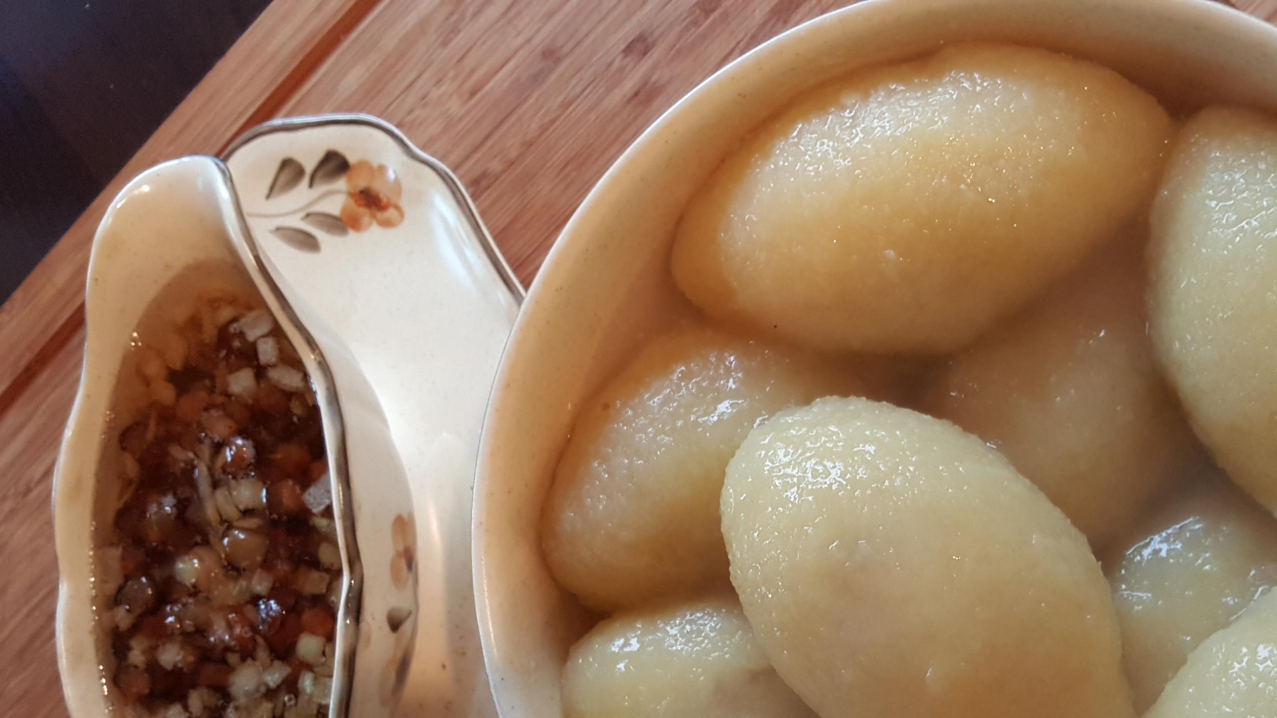 Lietuviškį tradiciniai cepelinai is prancūziškų bulvių